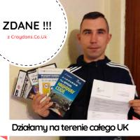 Jacek z certyfikatem po zdaniu testu w UK